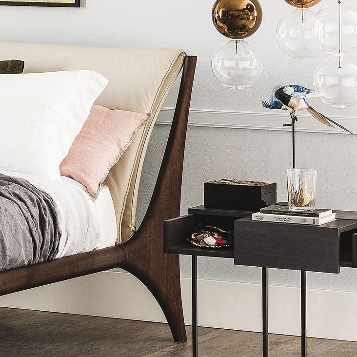 Close up view of wood of the Nelson Bed designed by Cattelan Italia