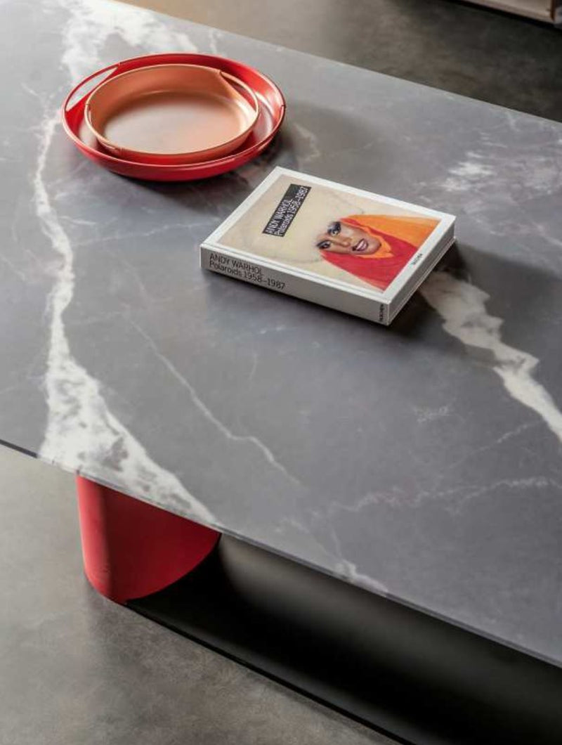 Close view of Bold Table | - italydesign