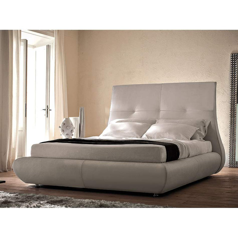 Matisse Bed - Luxury styled  bed  by Cattelan Italia