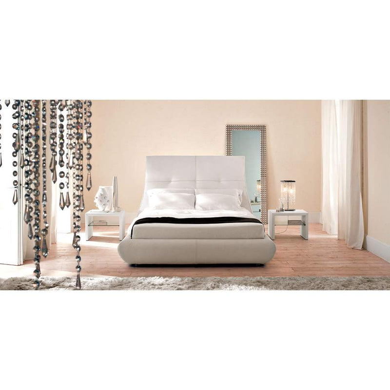 Luxury Italian bed by Cattelan Italia