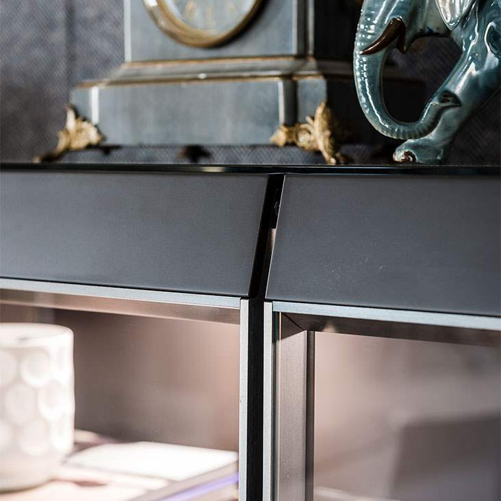 Luxury display cabinet made in Italy by Cattelan Italia