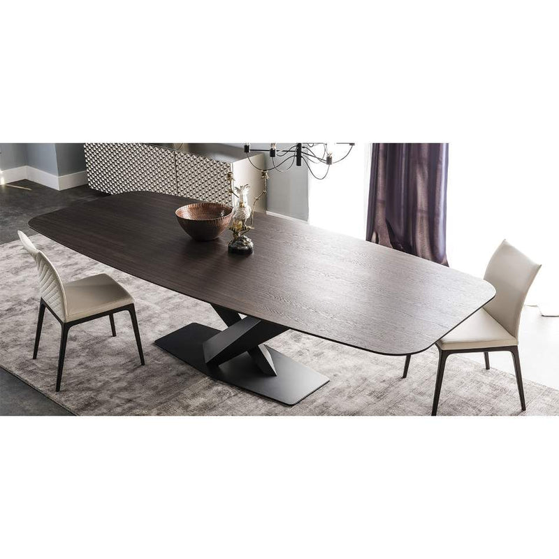 Luxurious wooden top dining table made in Italy by Cattelan Italia