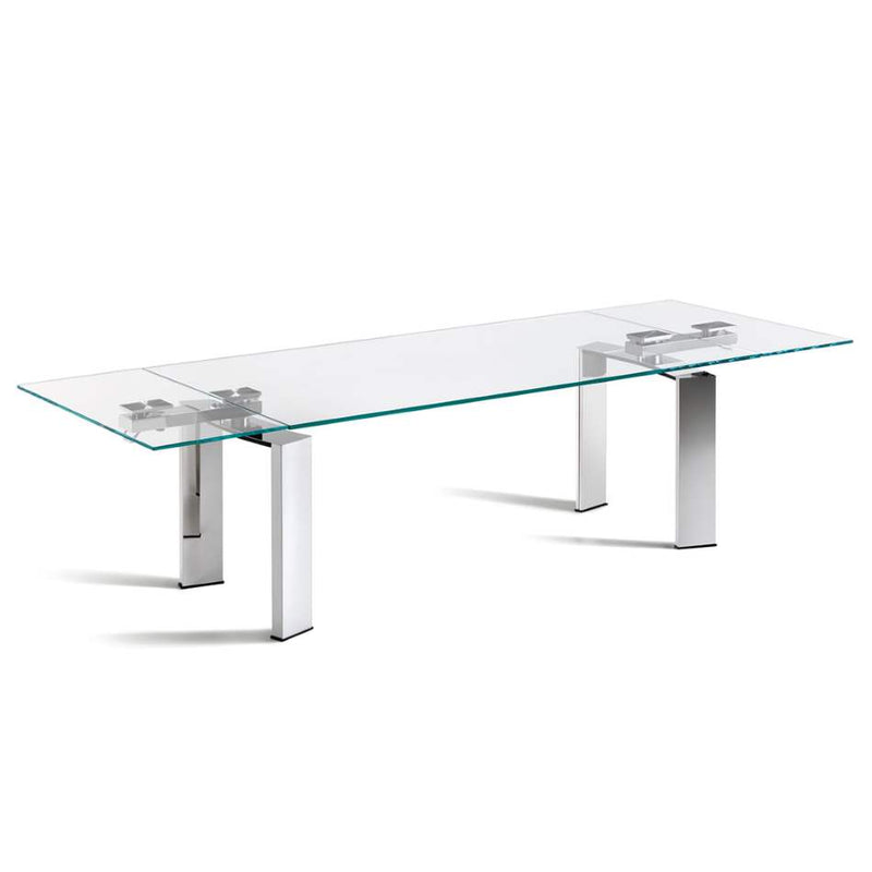 Expandable dining table made in Italy by Cattelan Italia