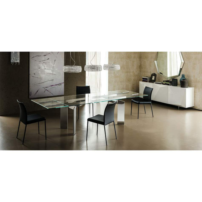 Italian dining room full of modern furniture