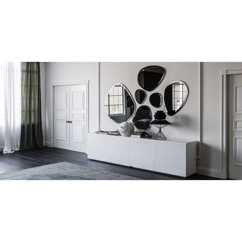 Series of designer Italian mirrors