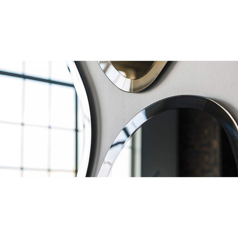Modern mirror made in Italy by Cattelan Italia