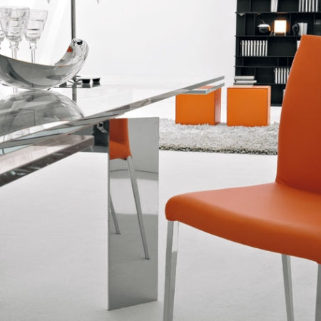 Elan Expandable Dining Table  close view
