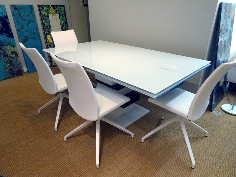 Casual Table - Modern Furniture | Contemporary Furniture - italydesign