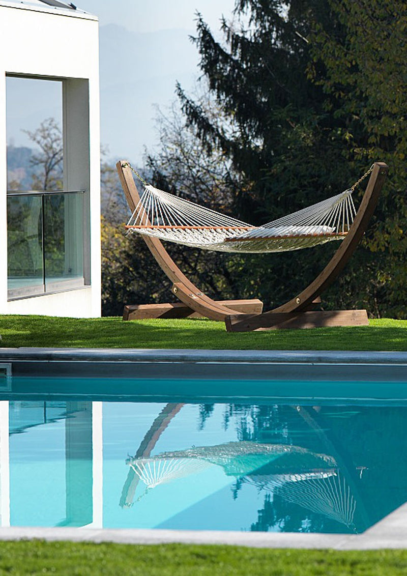 pool side outdoor hammock made in Italy by Uponiu