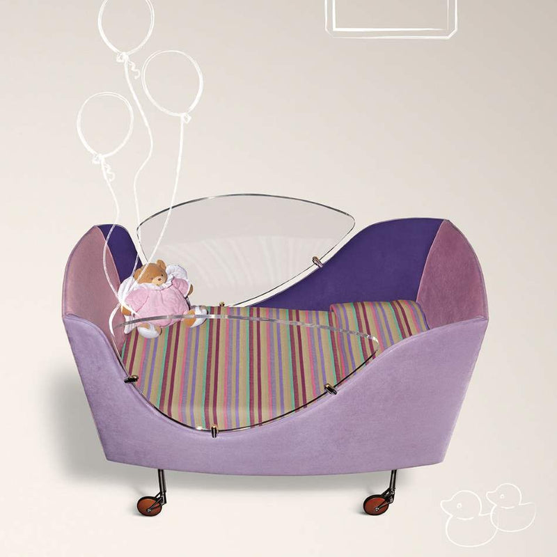 Baby's cot made in Italy by Il Loft