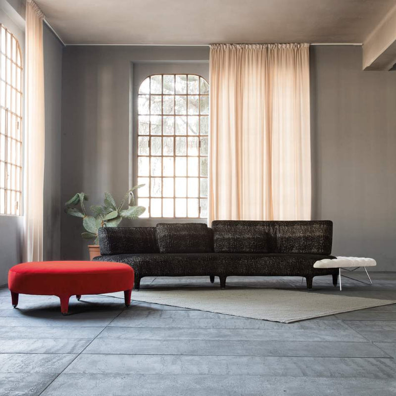 Delta Sagomato sofa in grey