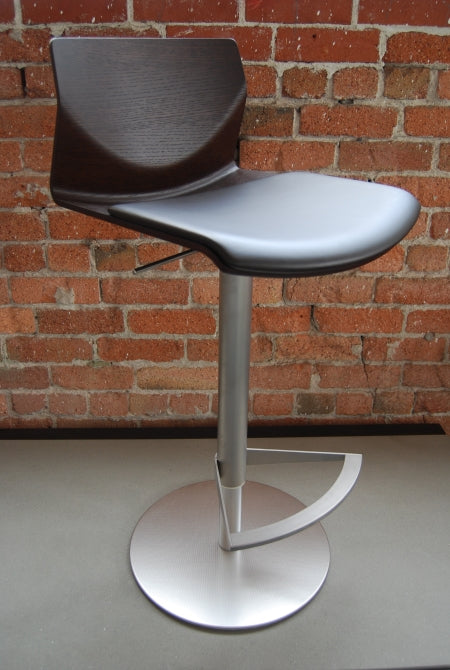black Italian barstool with metal base