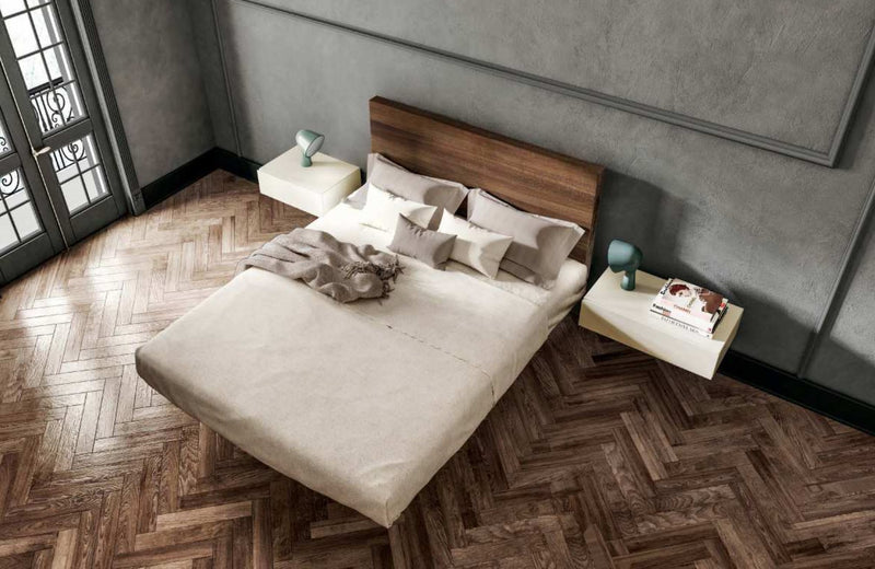 Italian Furniture: Air Wildwood Bed by Lago