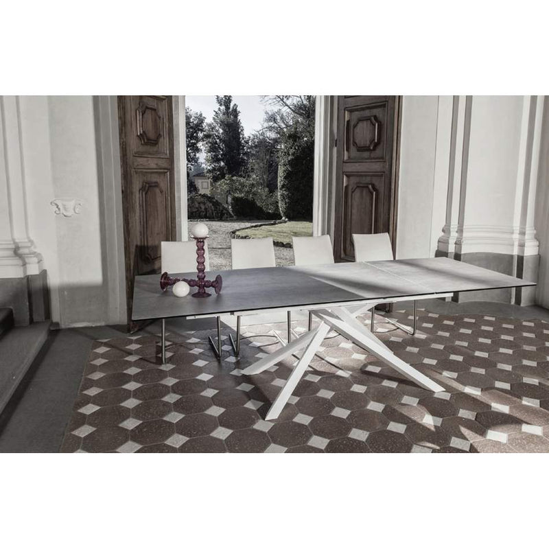 Boogie - Modern expandable dining table by Naos