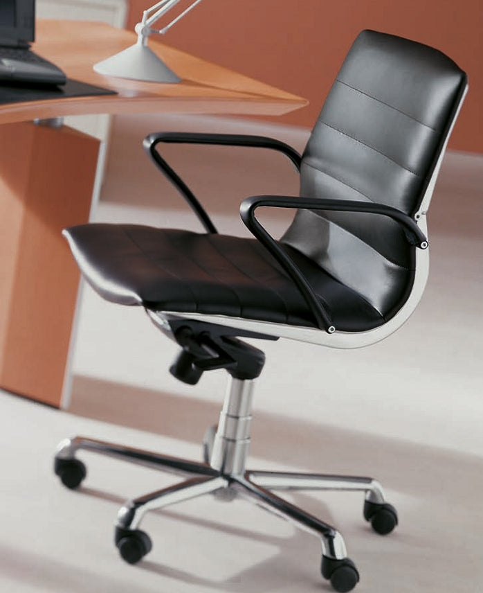 Verona Guest Chair in black leather