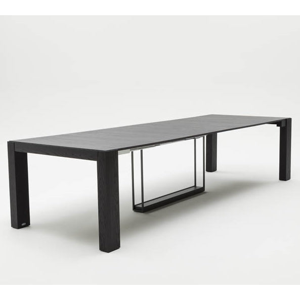 Fully expanded configuration of the Ozzio Italia dining table