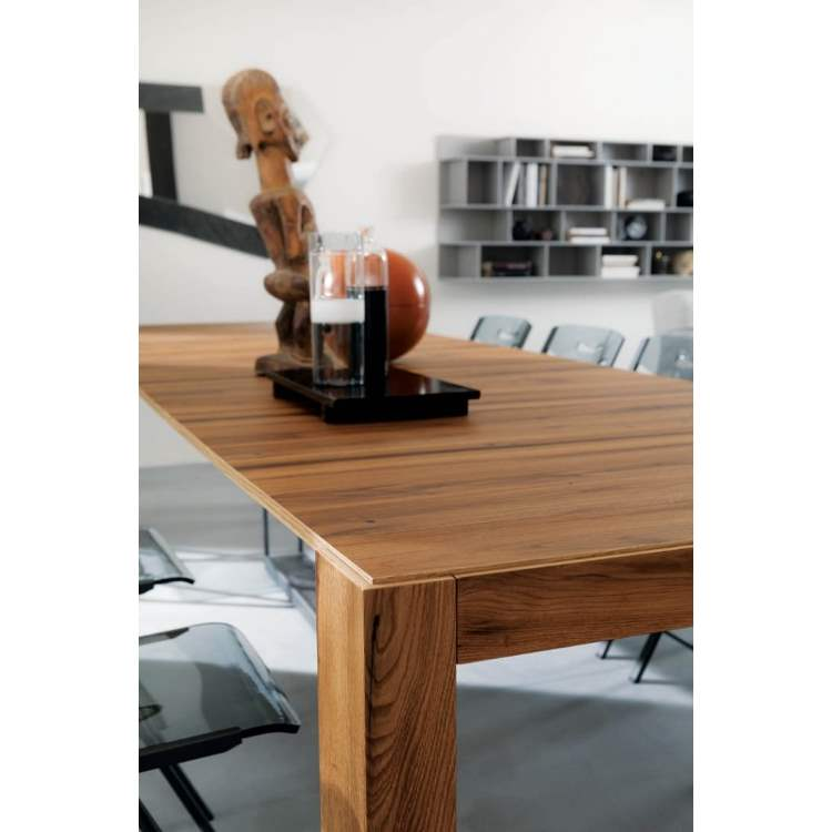 designer wooden dining table made in Italy by Ozzio Italia