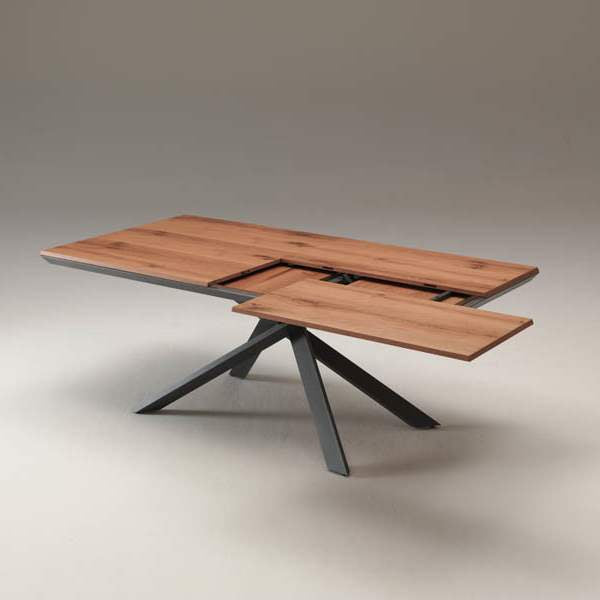Ozzio Italia expandable table in being expanded