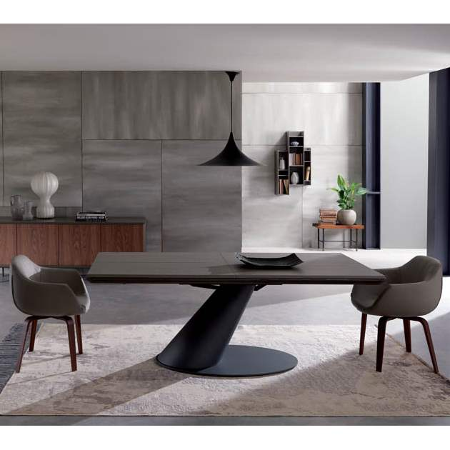 Italian dining room with Thor table by Ozzio Italia
