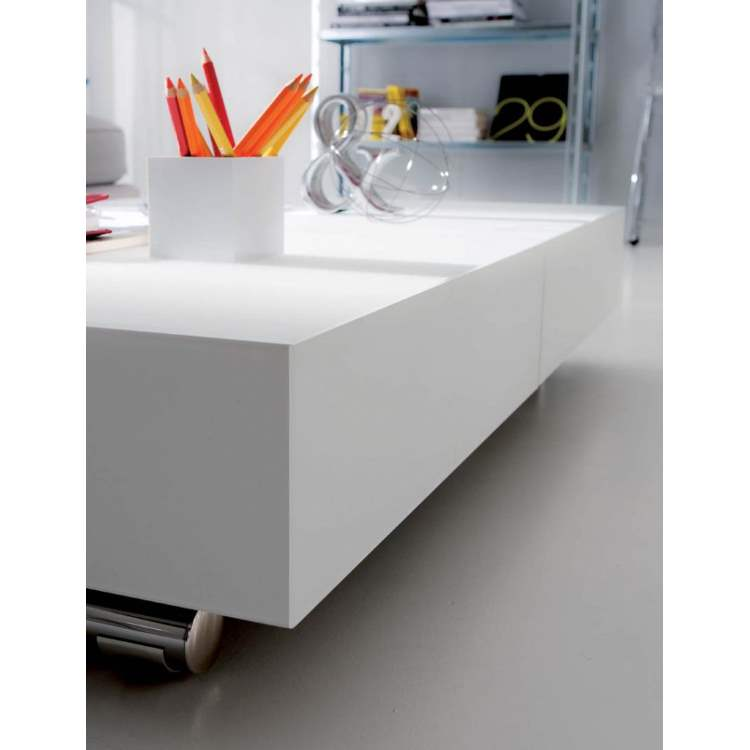 Italian coffee table by Ozzio Italia in white