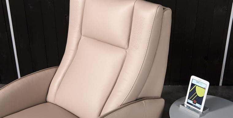 back cushion of 4D reclining leather chair made in Italy