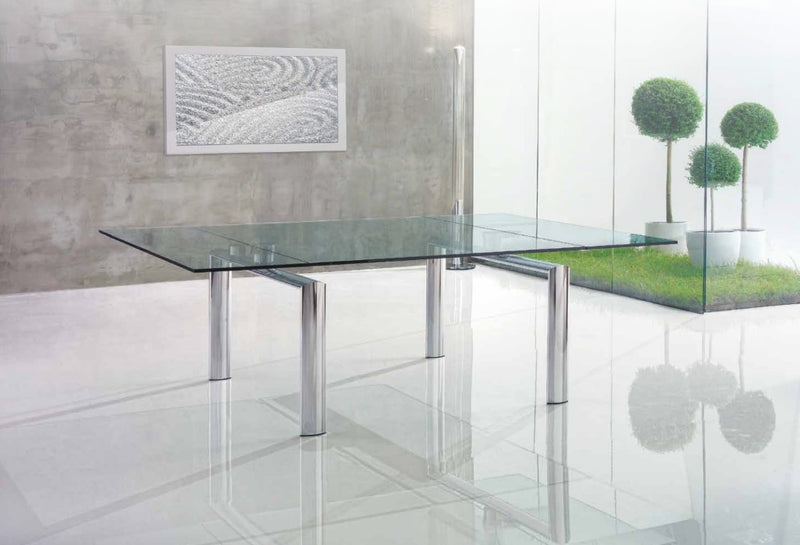 Policleto glass design of expandable dining table