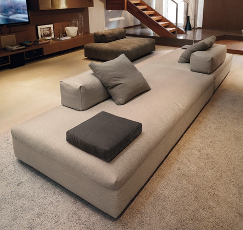 Monopoli Sofa - Moden Modular sofa system with movable backs by Desiree made in Italy