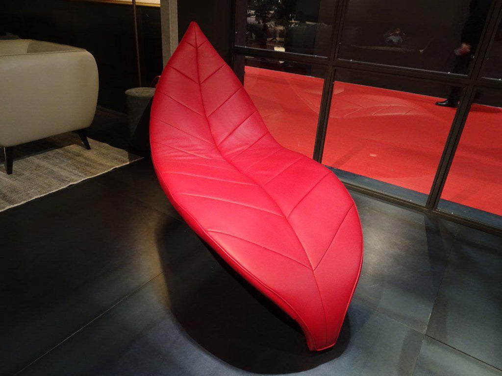 Oasis Chaise in red leather