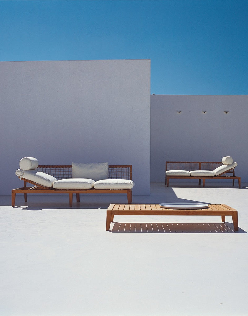 Outdoor Italian sofas and benches by Unopiu