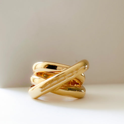 Bold Liquid Gold Criss Cross Infinity Ring