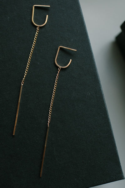Annika Inez Deep Vertical Pin Earrings Short