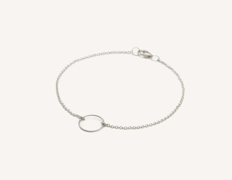 Vrai and Oro modern minimalist 14k solid gold wire Circle Bracelet on dainty chain with lobster clasp, 14K White Gold