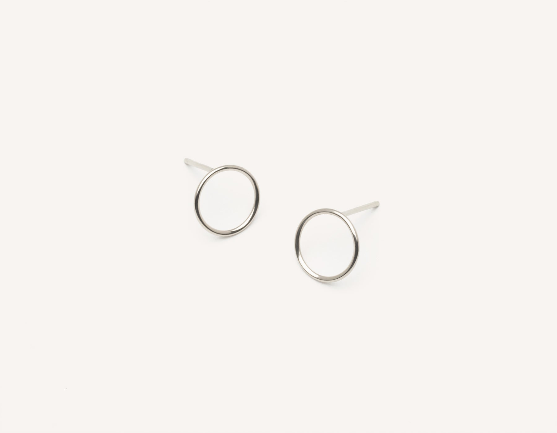 Simple classic Circle Stud Earrings 14k solid gold Vrai & Oro minimalist jewelry, 14K White Gold