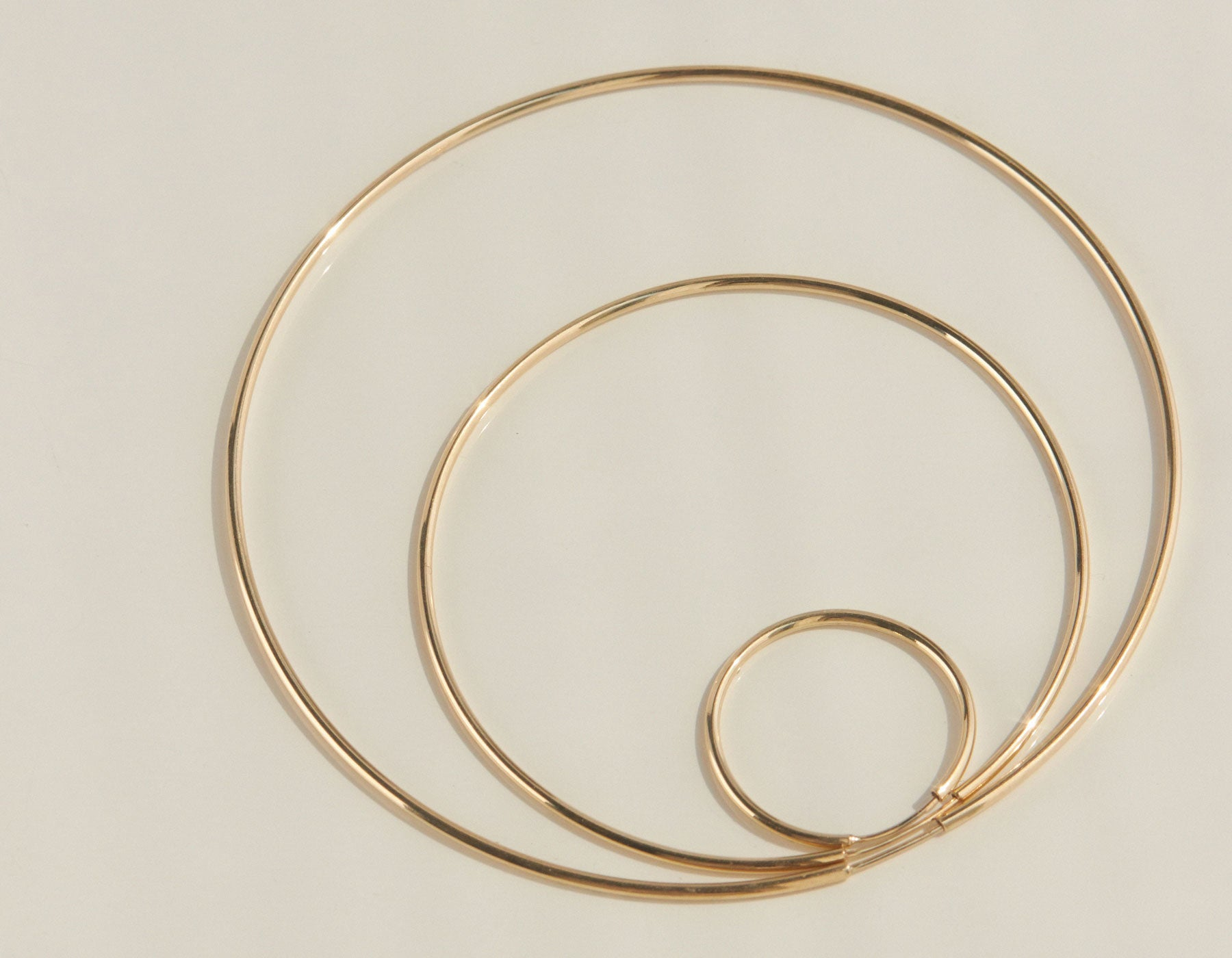 Vrai classic thin small hoop medium hoop large hoop earring in 14K solid gold