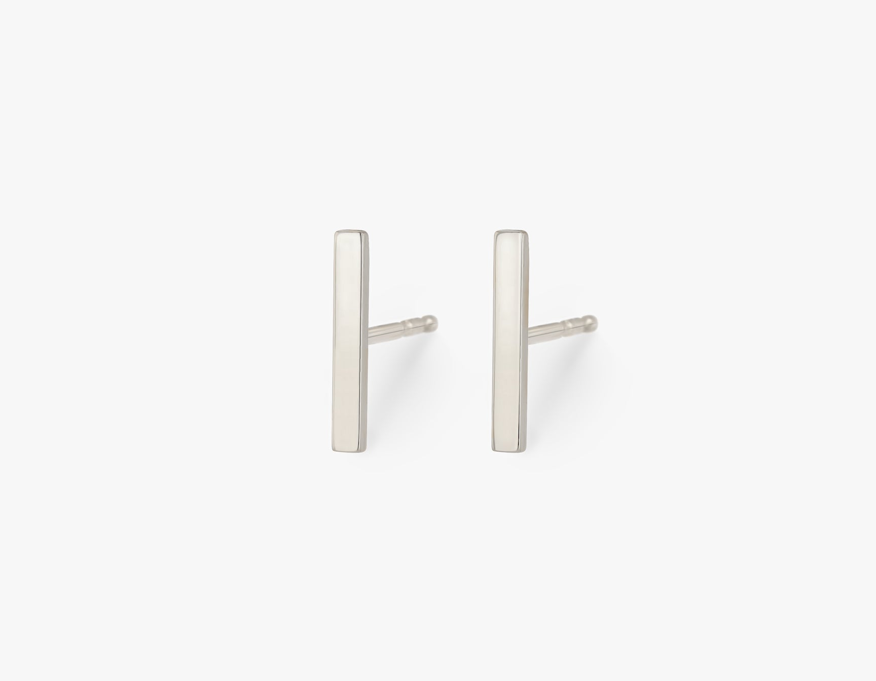 Vrai solid gold Line Stud, 14K White Gold