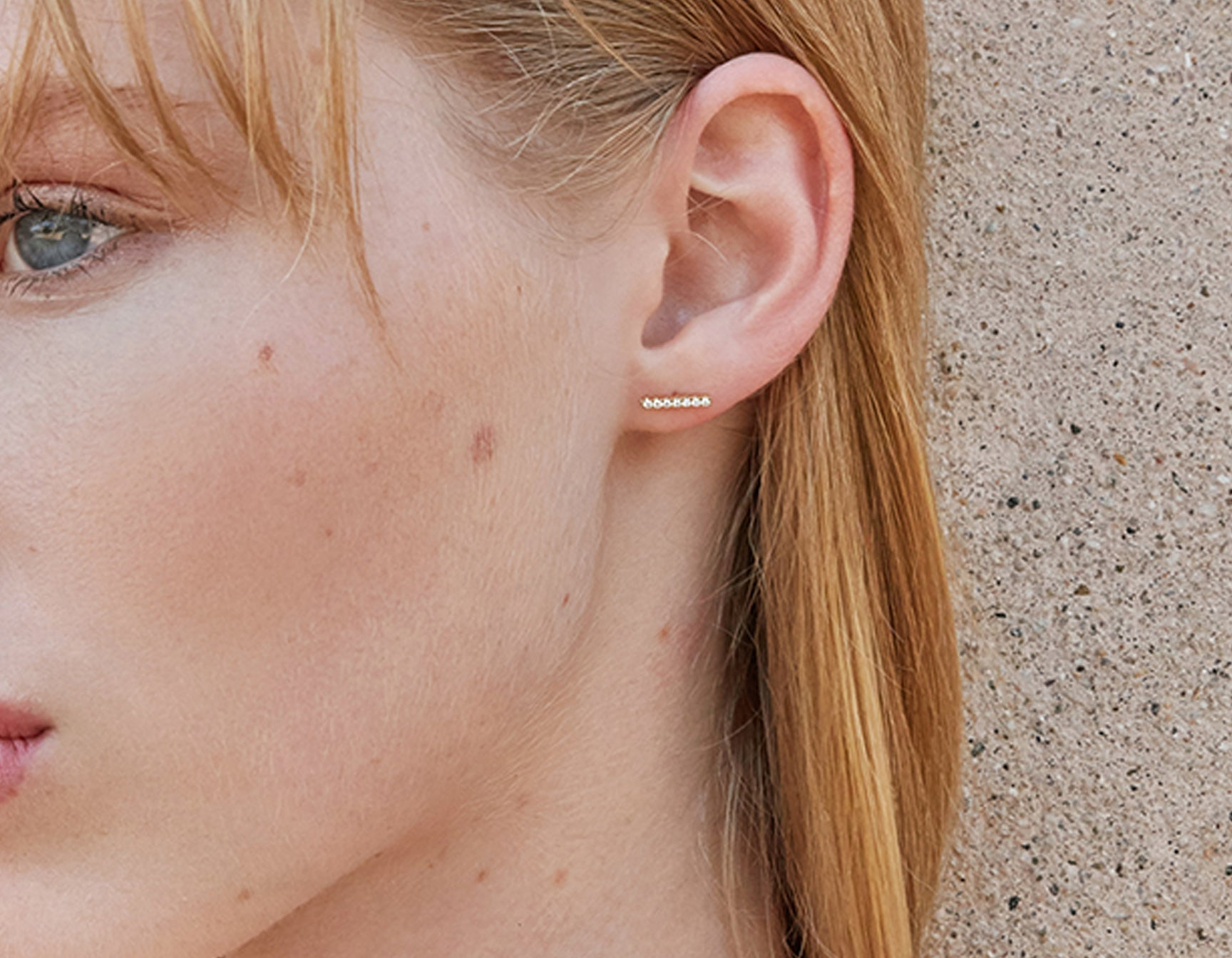 Minimalist classic Line Stud pave by Vrai