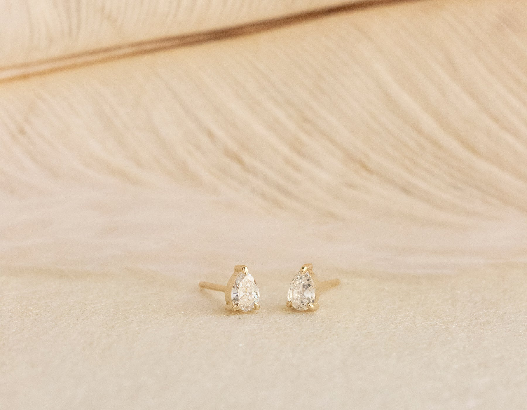 Vrai & Oro elegant minimalist Pear diamond earrings .30 ct studs 14k solid gold Vrai & oro