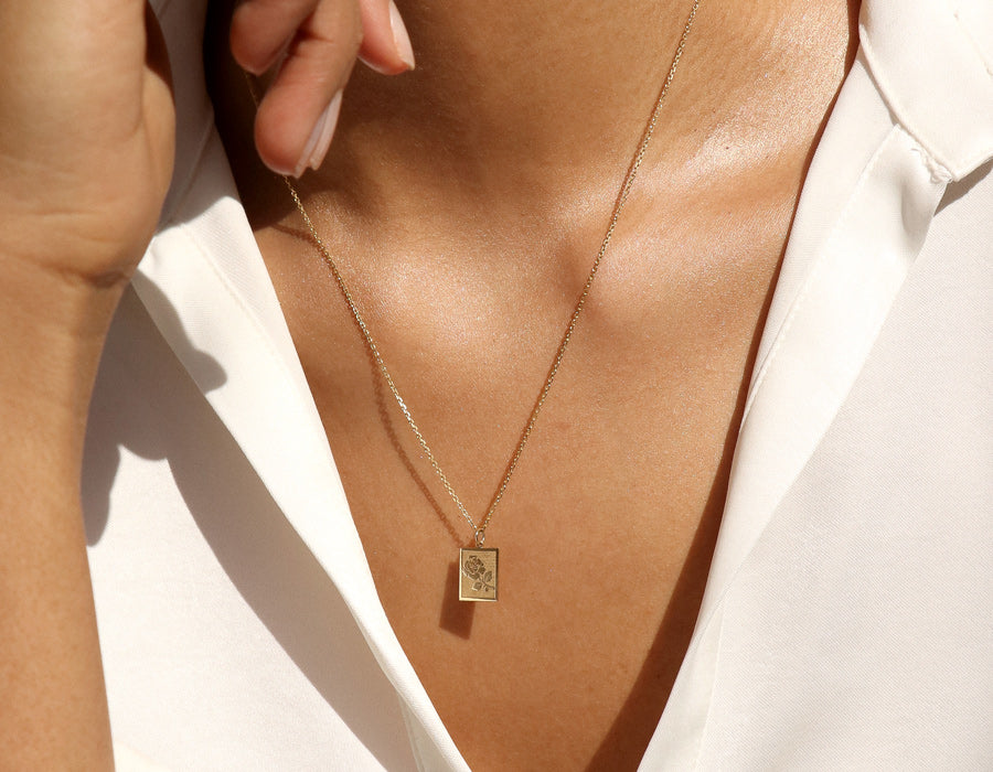 Modeled Vrai and oro simple elegant 14K Yellow Gold Rose Pendant Necklace