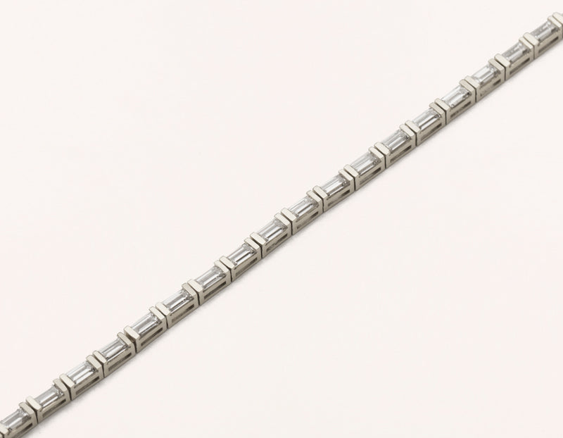 Sleek modern 18k solid gold Baguette Diamond Tennis Bracelet handcrafted by Vrai & Oro, 18K White Gold