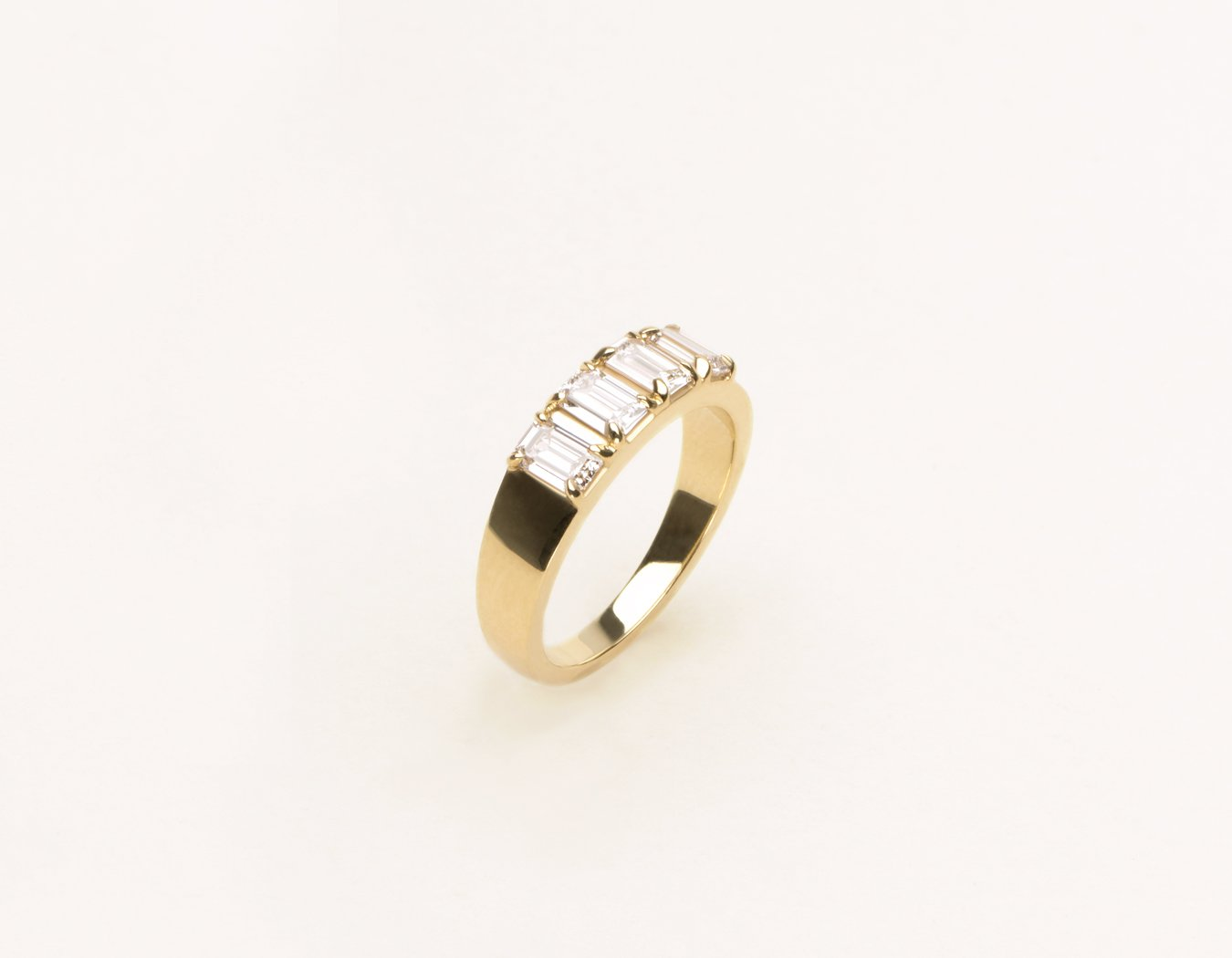 Modern Minimalist Emerald Diamond Tetrad Band 14k Solid gold Vrai & Oro, 14K Yellow Gold