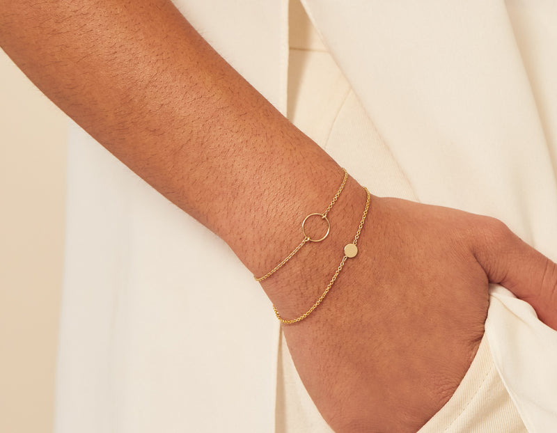 Modelled Small simple classic Initial Bracelet 14k yellow gold disk thin chain with circle bracelet Vrai and Oro, 14K White Gold
