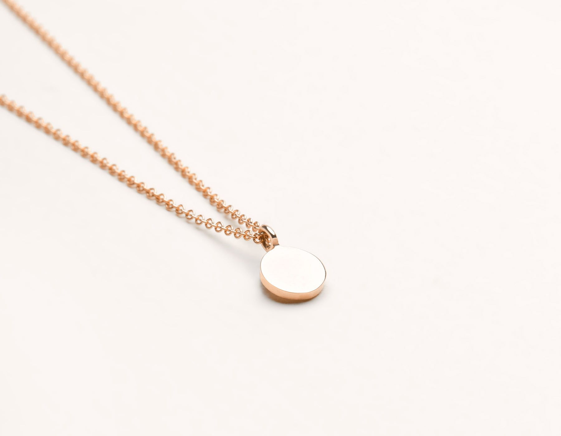 Personalized engraving Initial Necklace 14k solid gold small disk delicate chain Vrai & Oro, 14K Rose Gold