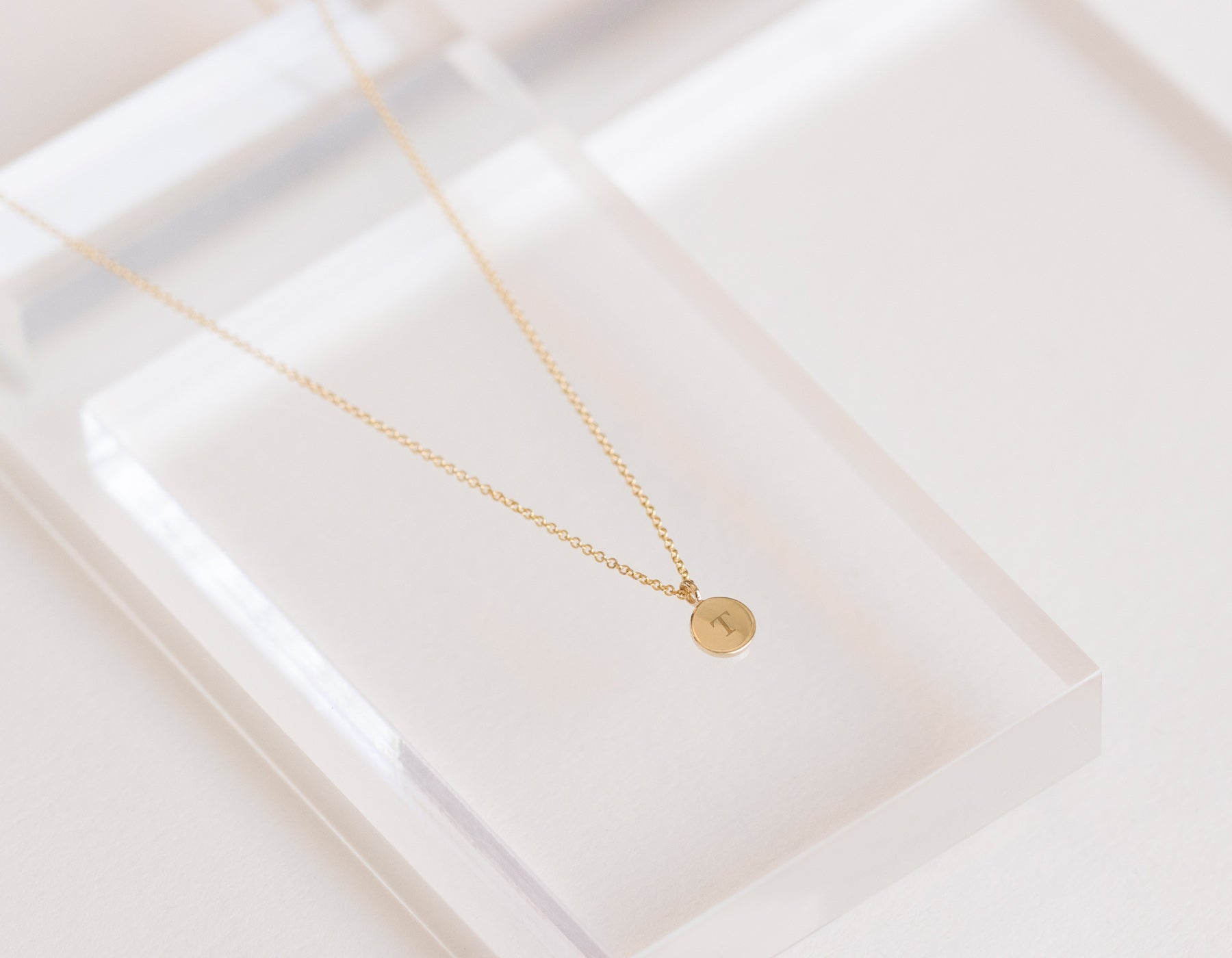 Customized engraving on small disk Initial Necklace 14k yellow gold Vrai and Oro minimalist jewelry circle necklace