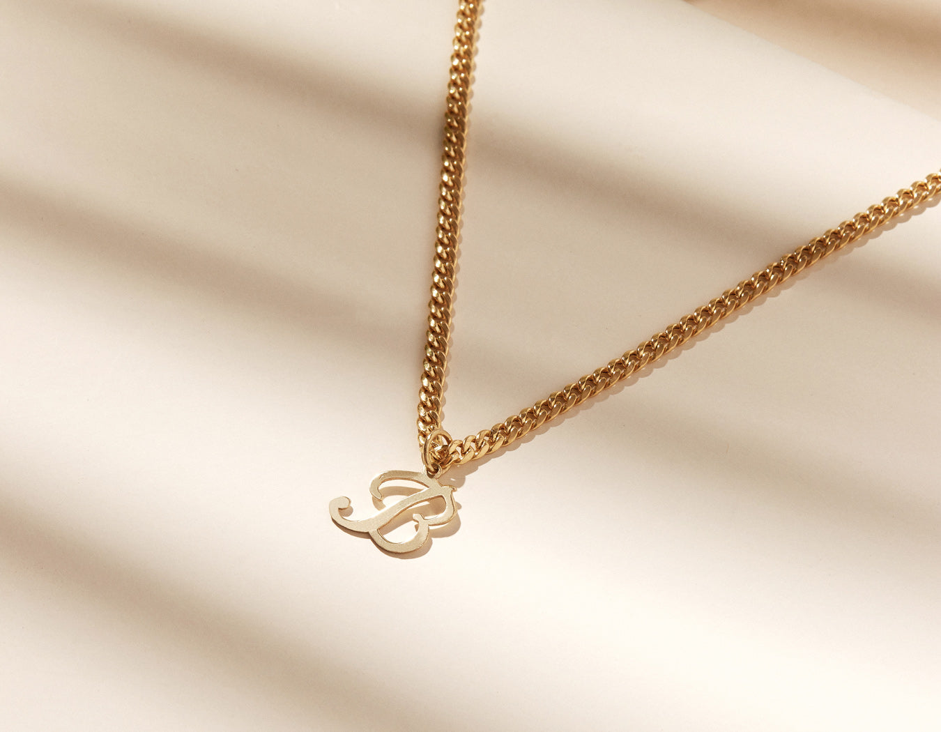 vrai & Oro 14K solid Yellow Gold Small classic Letter Pendant Necklace on Cuban Link Chain