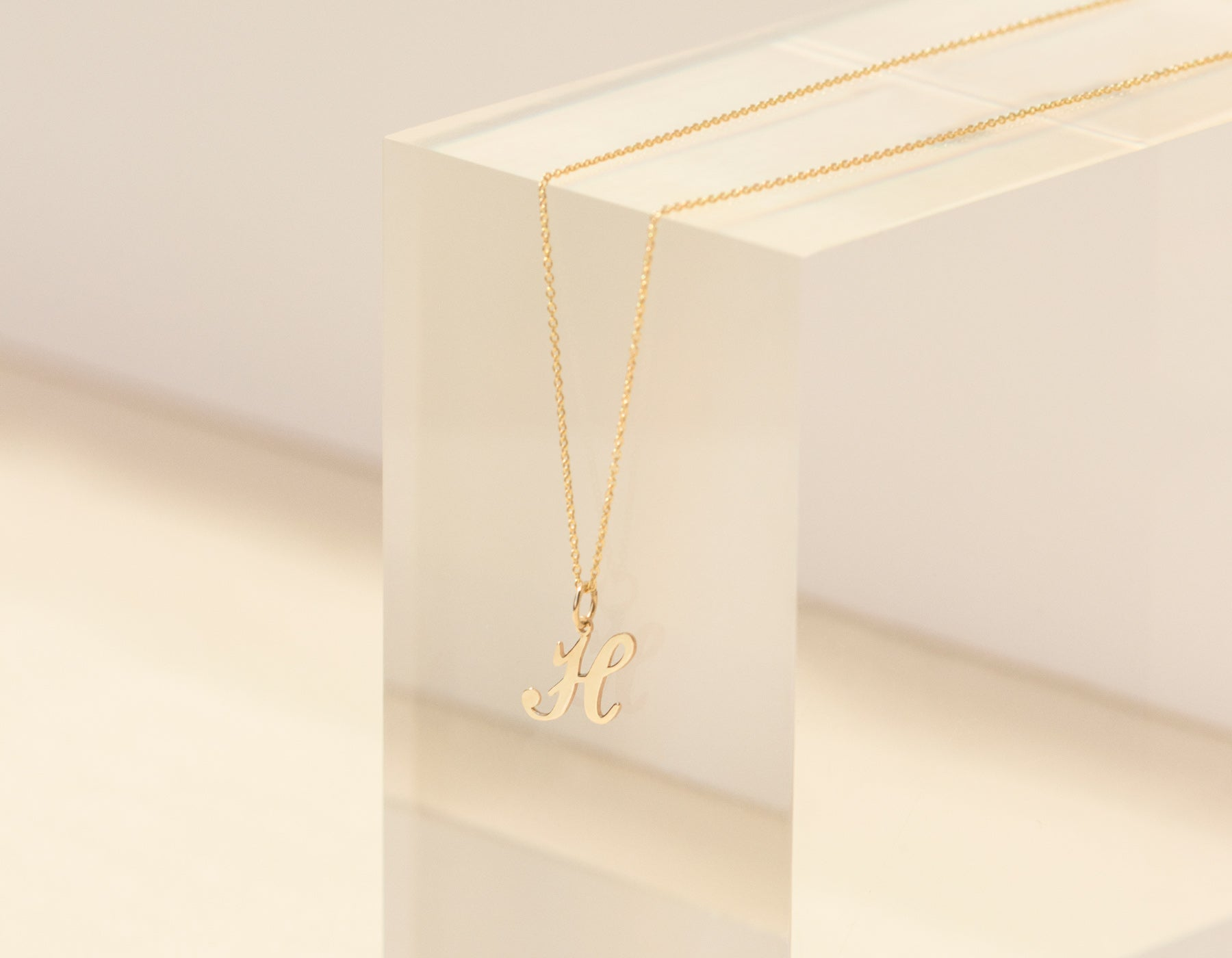 Classic minimalist 14k solid gold letter pendant necklace personalized vrai and oro sustainable jewelry