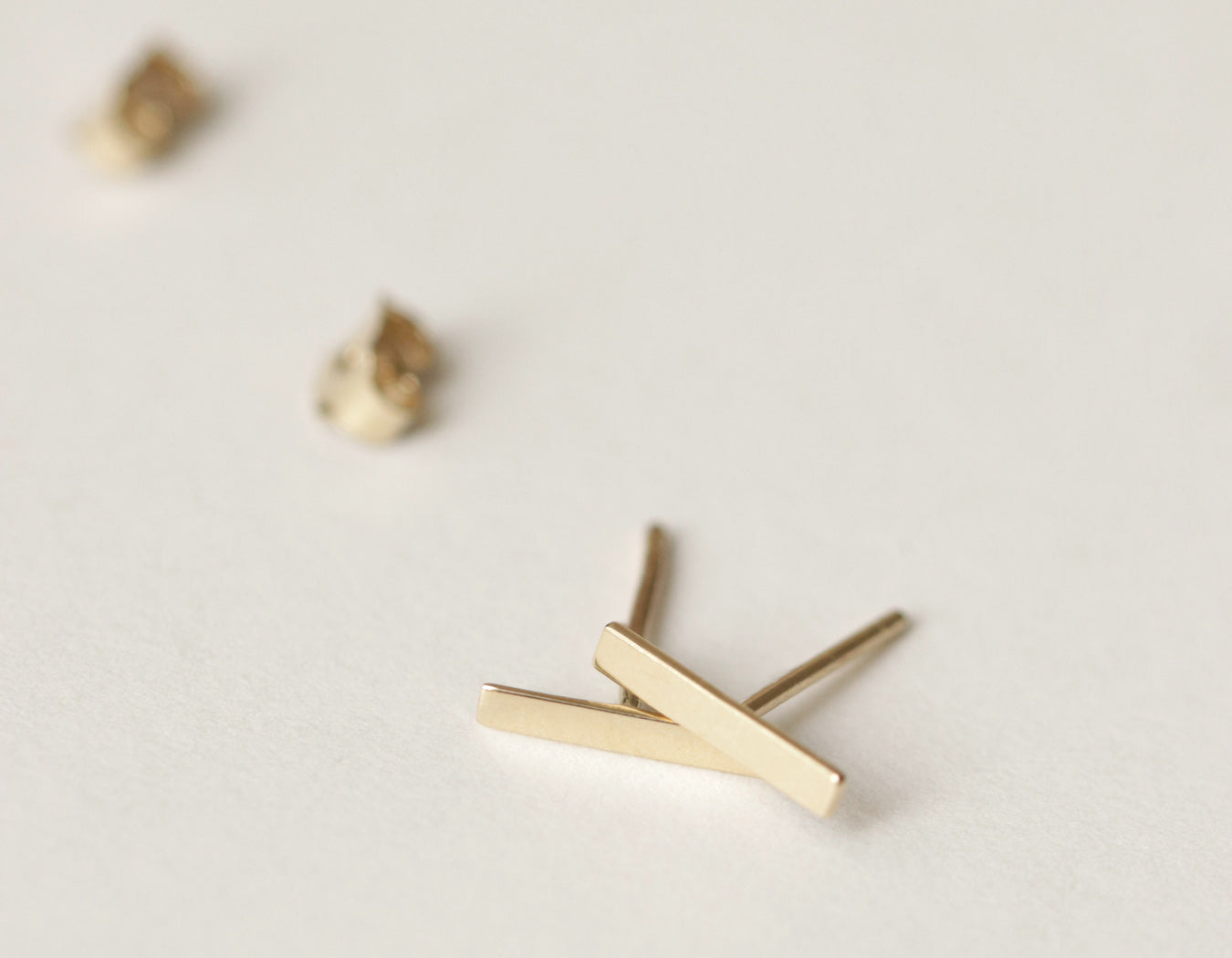 Minimalist Line Stud earrings solid 14k gold Vrai & Oro simple elegant jewelry