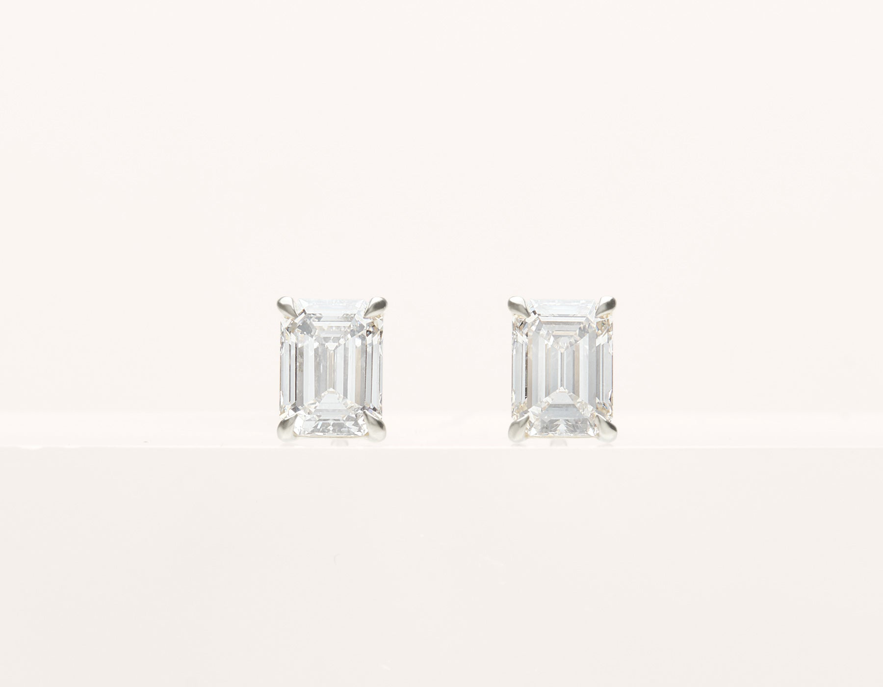 simple classic 18k solid gold 1.0 ct Emerald Diamond Studs earring by Vrai and Oro, 14K White Gold