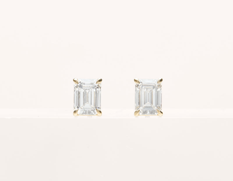 simple classic 18k solid gold 1.0 ct Emerald Diamond Studs earring by Vrai and Oro, 14K Yellow Gold