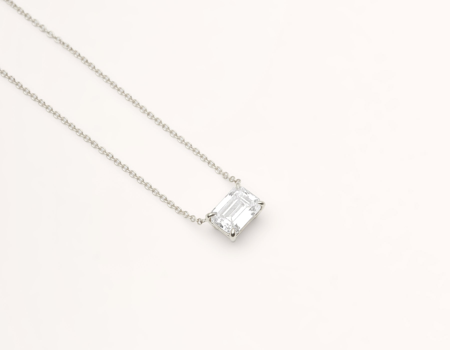 Classic minimalist 18k solid gold 1.0 carat Emerald cut Diamond Necklace on delicate chain Vrai & Oro black label, 18K White Gold