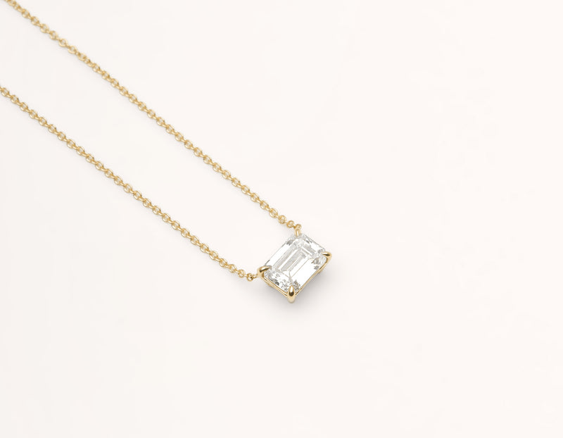 Classic minimalist 18k solid gold 1.0 carat Emerald cut Diamond Necklace on delicate chain Vrai & Oro black label, 18K Yellow Gold